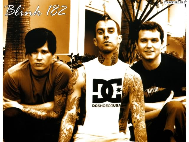 Fighting The Gravity (Neighborhoods 2011) Blink-182