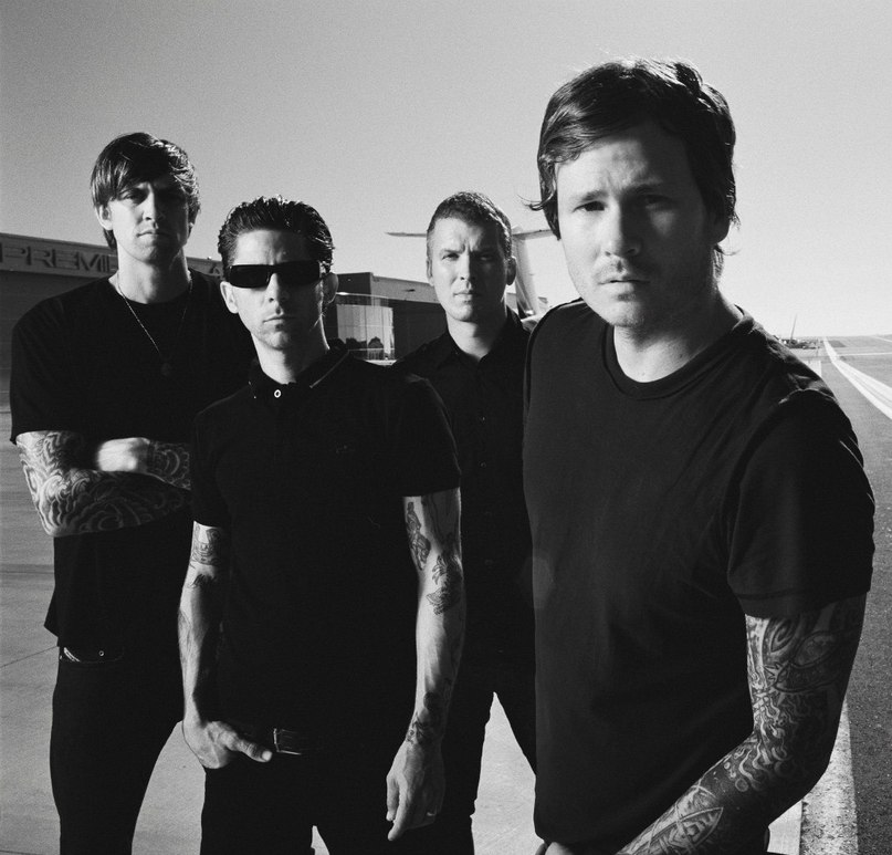 Secret Crowds Angels And Airwaves