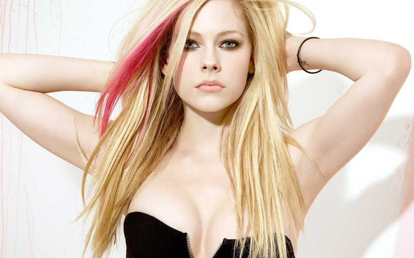Hot Avril Lavigne